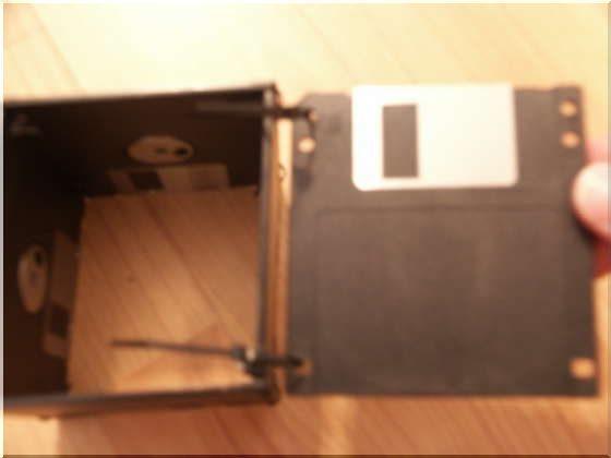 Карандашница из старых дискет