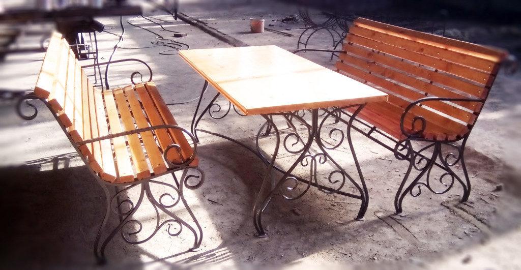stol-i-skameyka-dlya-dachi-svoimi-rukami-4046670-9782091