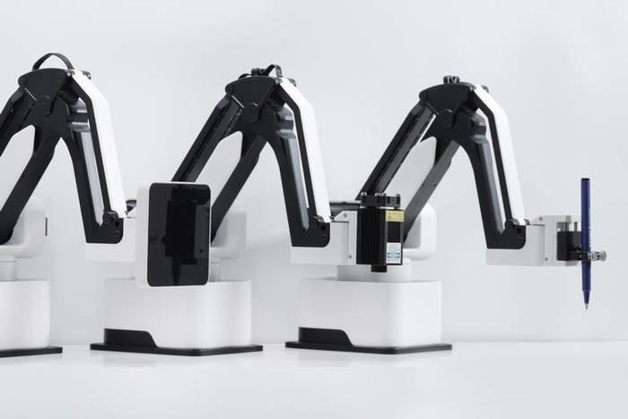 hexbot-desktop-robot-arm-3-5899351-8759338
