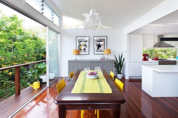how-to-use-runners-in-traditional-dining-rooms-1-5174403-3784422