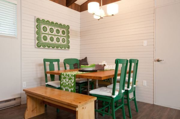 how-to-use-runners-in-traditional-dining-rooms-3-6309123-1481768