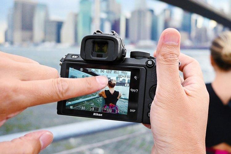 Nikon Z 50:  беззеркальная камера  для контента в Instagram и YouTube